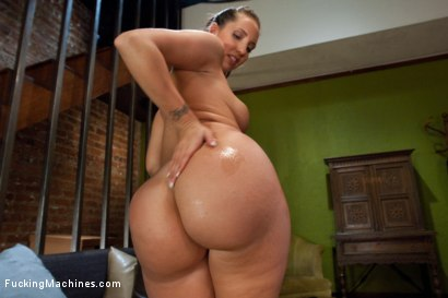 Photo number 1 from Divine Ass and Double Penetration shot for Fucking Machines on Kink.com. Featuring Kelly Divine in hardcore BDSM & Fetish porn.