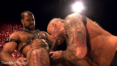 LEATHER AND PISS: Nate Pierce and Roman Wright