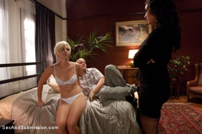 Photo number 3 from Summer Job for a Whore shot for Sex And Submission on Kink.com. Featuring Chloe Camilla, Derrick Pierce and Isis Love in hardcore BDSM & Fetish porn.