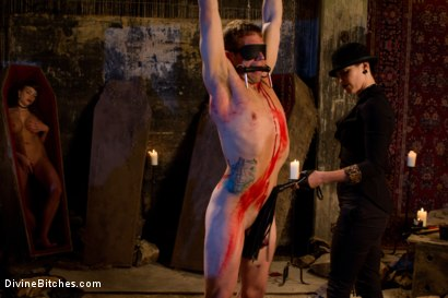 Photo number 2 from La Semence Des Vampires shot for Divine Bitches on Kink.com. Featuring Aiden Starr, Bobbi Starr, Nika Noire and John Jammen in hardcore BDSM & Fetish porn.
