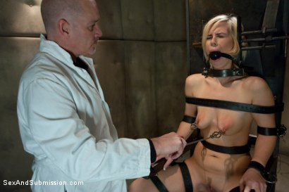 Photo number 5 from Sex Offender shot for Sex And Submission on Kink.com. Featuring Mark Davis and Tara Lynn Foxx in hardcore BDSM & Fetish porn.