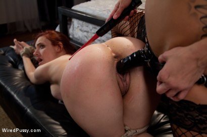 Photo number 13 from Christmas Fantasy shot for Wired Pussy on Kink.com. Featuring Gia DiMarco and Iona Grace in hardcore BDSM & Fetish porn.