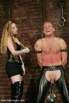 Photo number 2 from Billy Wild and Princess Kali shot for Men In Pain on Kink.com. Featuring Billy Wild and Princess Kali in hardcore BDSM & Fetish porn.