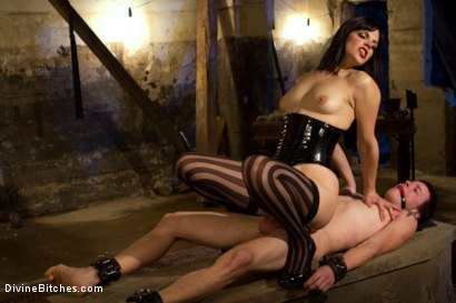 Photo number 5 from Breaking The Boy: Episode 1 shot for Divine Bitches on Kink.com. Featuring Bobbi Starr and Jessie Sparkles in hardcore BDSM & Fetish porn.