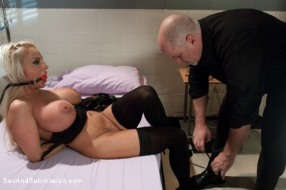 Photo number 4 from Coma Patient shot for Sex And Submission on Kink.com. Featuring Mark Davis and Holly Halston in hardcore BDSM & Fetish porn.