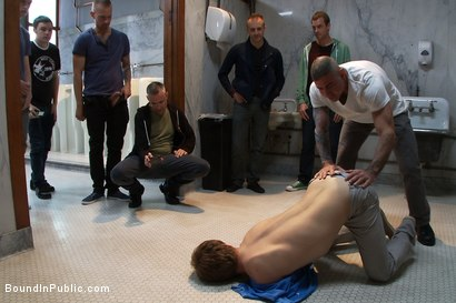 Photo number 2 from Cruising for Sex with Noah shot for Bound in Public on Kink.com. Featuring Noah Brooks and Cliff Jensen in hardcore BDSM & Fetish porn.