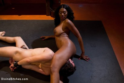 From Worthless To Worthy In Five Mistresses: Episode 2