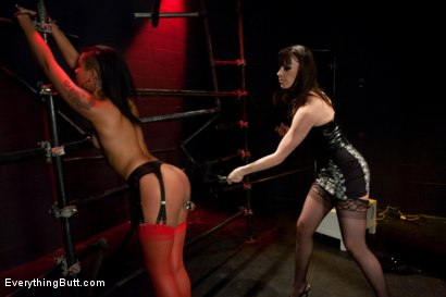 Photo number 3 from Diamond in the Rough shot for Everything Butt on Kink.com. Featuring James Deen, Dana DeArmond and Skin Diamond in hardcore BDSM & Fetish porn.