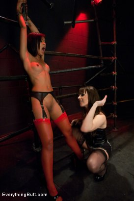 Photo number 4 from Diamond in the Rough shot for Everything Butt on Kink.com. Featuring James Deen, Dana DeArmond and Skin Diamond in hardcore BDSM & Fetish porn.