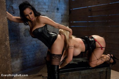 Photo number 4 from Candy Manson's Anal Domination shot for Everything Butt on Kink.com. Featuring Isis Love, Candy Manson and Derrick Pierce in hardcore BDSM & Fetish porn.