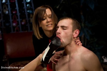Photo number 11 from Foot Fetish Extreme shot for Divine Bitches on Kink.com. Featuring Maitresse Madeline Marlowe, Gia DiMarco and Blake in hardcore BDSM & Fetish porn.