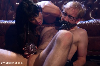 Photo number 14 from A Self-Serving Pleasure shot for Divine Bitches on Kink.com. Featuring Gia DiMarco and Ned Mayhem in hardcore BDSM & Fetish porn.
