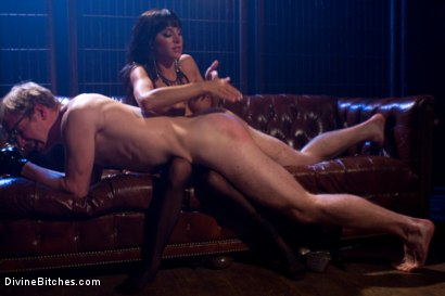 Photo number 7 from A Self-Serving Pleasure shot for Divine Bitches on Kink.com. Featuring Gia DiMarco and Ned Mayhem in hardcore BDSM & Fetish porn.