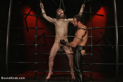 Photo number 4 from Worshiping Spencer Reed shot for Bound Gods on Kink.com. Featuring Spencer Reed and Noah Brooks in hardcore BDSM & Fetish porn.