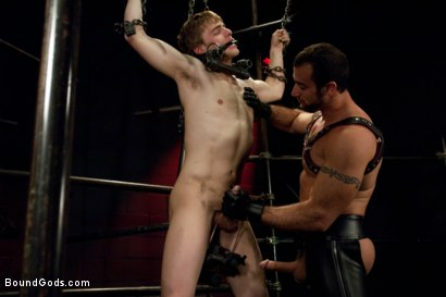 Photo number 3 from Worshiping Spencer Reed shot for Bound Gods on Kink.com. Featuring Spencer Reed and Noah Brooks in hardcore BDSM & Fetish porn.
