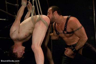 Photo number 12 from Worshiping Spencer Reed shot for Bound Gods on Kink.com. Featuring Spencer Reed and Noah Brooks in hardcore BDSM & Fetish porn.