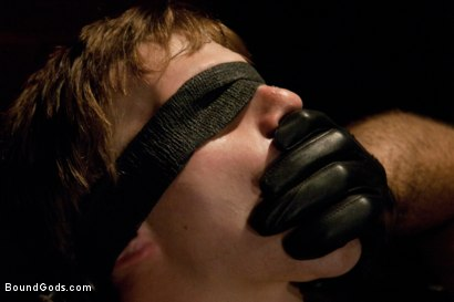Photo number 2 from Worshiping Spencer Reed shot for Bound Gods on Kink.com. Featuring Spencer Reed and Noah Brooks in hardcore BDSM & Fetish porn.
