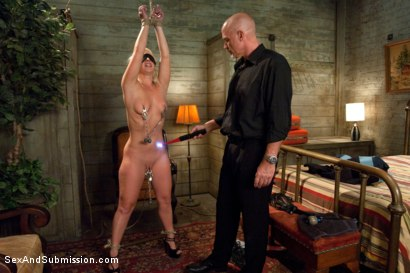 Photo number 7 from Cash for this Ass shot for Sex And Submission on Kink.com. Featuring Mark Davis and Kimmy Olsen in hardcore BDSM & Fetish porn.
