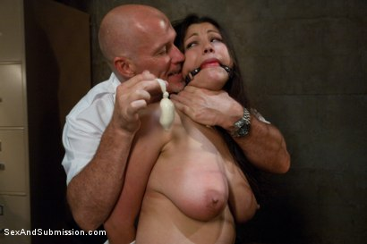 Photo number 6 from The Mule shot for Sex And Submission on Kink.com. Featuring Mark Davis and Dana Vixen in hardcore BDSM & Fetish porn.