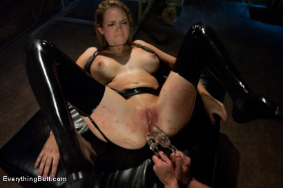 Photo number 6 from Hardcore Anal Sex and Pain! shot for Everything Butt on Kink.com. Featuring Mark Davis, Felony and Rain DeGrey in hardcore BDSM & Fetish porn.