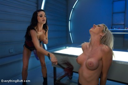 Photo number 7 from Anal Invader shot for Everything Butt on Kink.com. Featuring Gia DiMarco, Mark Davis and Kaylee Hilton in hardcore BDSM & Fetish porn.