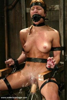 Photo number 14 from Jenni Lee shot for Water Bondage on Kink.com. Featuring Jenni Lee in hardcore BDSM & Fetish porn.