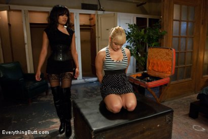 Photo number 1 from Hungry Holes shot for Everything Butt on Kink.com. Featuring Mr. Pete, Lea Lexis and Annie Cruz in hardcore BDSM & Fetish porn.