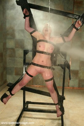 Photo number 13 from Lorelei Lee and Viking shot for Water Bondage on Kink.com. Featuring Lorelei Lee and Viking in hardcore BDSM & Fetish porn.
