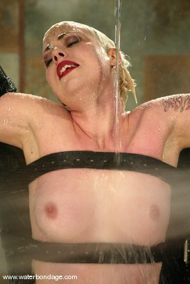 Photo number 11 from Lorelei Lee and Viking shot for Water Bondage on Kink.com. Featuring Lorelei Lee and Viking in hardcore BDSM & Fetish porn.