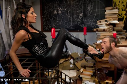 Photo number 4 from Gia FUCKING Dimarco gives a prostate milking so intense you have to see it to believe it! shot for Divine Bitches on Kink.com. Featuring Gia DiMarco and Jesse Carl in hardcore BDSM & Fetish porn.