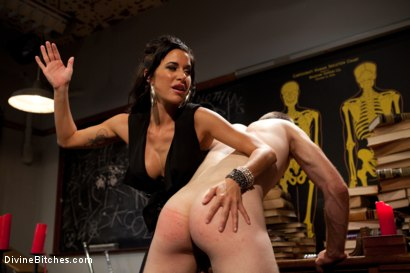 Photo number 6 from Gia FUCKING Dimarco gives a prostate milking so intense you have to see it to believe it! shot for Divine Bitches on Kink.com. Featuring Gia DiMarco and Jesse Carl in hardcore BDSM & Fetish porn.