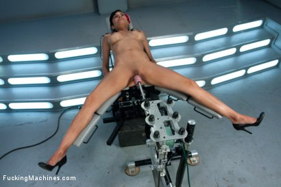 Photo number 10 from Audition Shoot: Her First Porn shot for Fucking Machines on Kink.com. Featuring Beretta James in hardcore BDSM & Fetish porn.