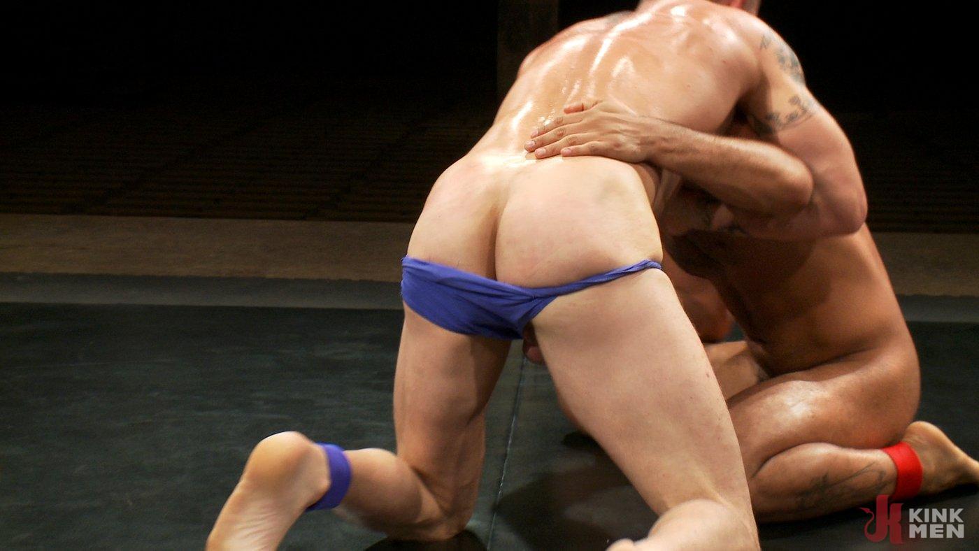 Photo number 3 from Brenn Wyson vs. Leo Forte shot for Naked Kombat on Kink.com. Featuring Brenn Wyson and Leo Forte in hardcore BDSM & Fetish porn.