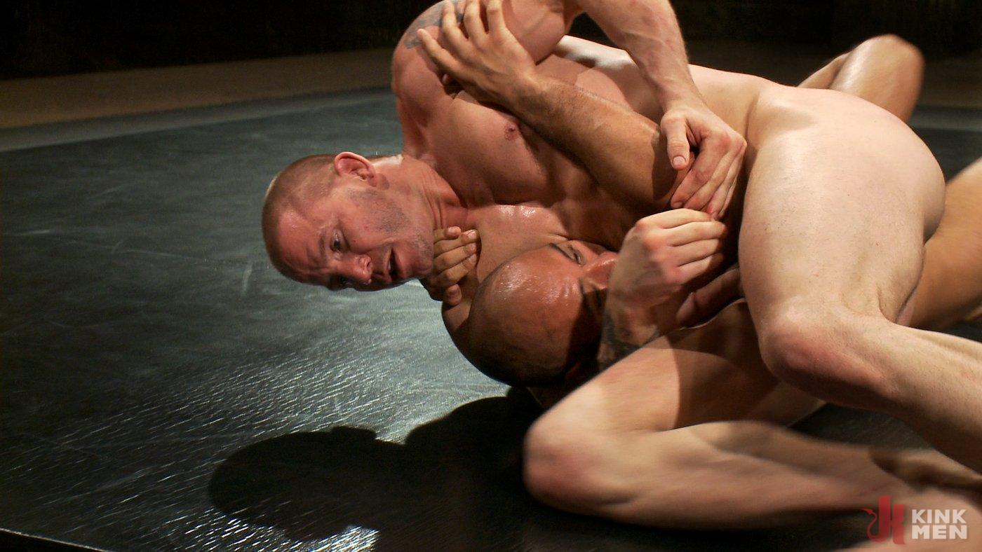 Photo number 8 from Brenn Wyson vs. Leo Forte shot for Naked Kombat on Kink.com. Featuring Brenn Wyson and Leo Forte in hardcore BDSM & Fetish porn.