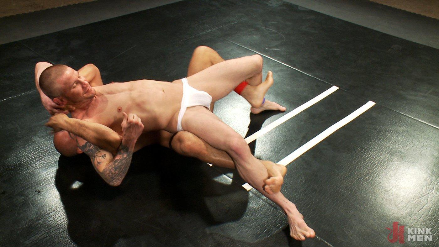 Photo number 7 from Brenn Wyson vs. Leo Forte shot for Naked Kombat on Kink.com. Featuring Brenn Wyson and Leo Forte in hardcore BDSM & Fetish porn.