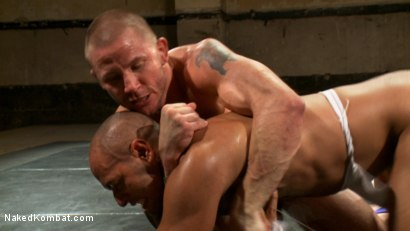 Photo number 15 from Brenn Wyson vs. Leo Forte shot for Naked Kombat on Kink.com. Featuring Brenn Wyson and Leo Forte in hardcore BDSM & Fetish porn.