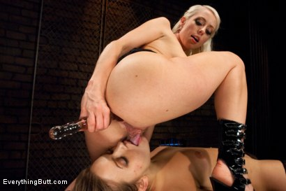 Photo number 6 from Come Out and Play: Ashlynn Leigh shot for Everything Butt on Kink.com. Featuring Mark Wood, Lorelei Lee and Ashlynn Leigh in hardcore BDSM & Fetish porn.