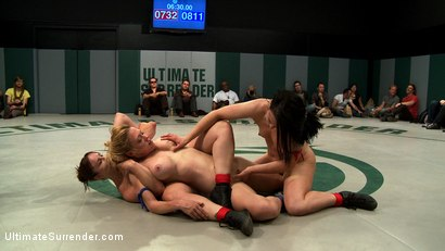 Photo number 13 from BATTLE OF THE CHAMPIONS! TAG TEAM ACTION: Last seasons top 4 battle in brutal Tag Team Action! shot for Ultimate Surrender on Kink.com. Featuring Isis Love, Ariel X, Dee Williams, Cheyenne Jewel and Bella Rossi in hardcore BDSM & Fetish porn.