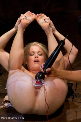 Photo number 11 from Journalist, Ash Hollywood, learns what is means to be non-biased through electro motivation! shot for Wired Pussy on Kink.com. Featuring Isis Love and Ash Hollywood in hardcore BDSM & Fetish porn.