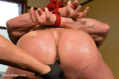 Photo number 7 from Derek Pain - The only competitive bodybuilder in the world who could handle the one leg suspension. shot for Men On Edge on Kink.com. Featuring Derek Pain in hardcore BDSM & Fetish porn.