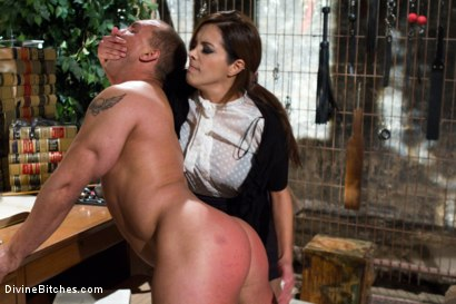 Photo number 15 from Mistress Francesca Le shot for Divine Bitches on Kink.com. Featuring Francesca Le  and John Magnum in hardcore BDSM & Fetish porn.