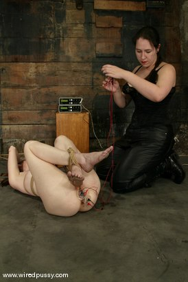 Photo number 8 from Kendra James and Bridgett Harrington shot for Wired Pussy on Kink.com. Featuring Kendra James and Bridgett Harrington in hardcore BDSM & Fetish porn.