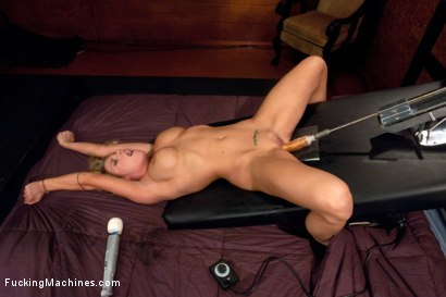 Photo number 6 from Full Rack Friday: Feature Dancer Charisma Cappelli Grinds With the FuckingMachines shot for Fucking Machines on Kink.com. Featuring Charisma Cappelli in hardcore BDSM & Fetish porn.