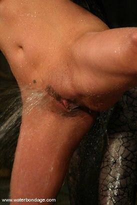 Photo number 11 from Sasha Sparks shot for Water Bondage on Kink.com. Featuring Sasha Sparks in hardcore BDSM & Fetish porn.