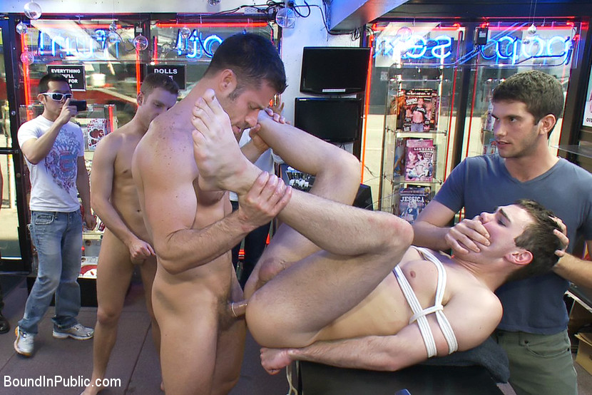 Hustler Porn Men At Play -