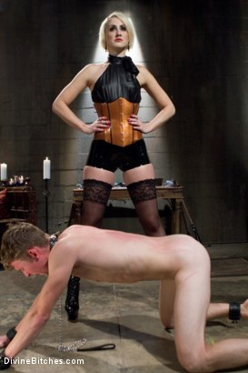 Photo number 3 from A Divine Giantess shot for Divine Bitches on Kink.com. Featuring Aiden Starr, Dylan Ryan and Cole Brooks in hardcore BDSM & Fetish porn.