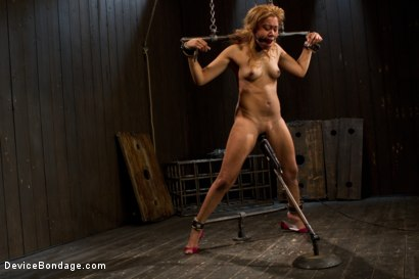 Photo number 2 from Bootilicious Bondage shot for Device Bondage on Kink.com. Featuring Yasmine de Leon in hardcore BDSM & Fetish porn.