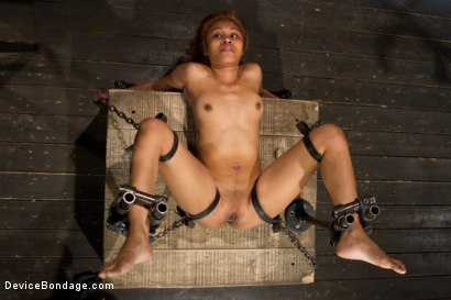 Photo number 3 from Bootilicious Bondage shot for Device Bondage on Kink.com. Featuring Yasmine de Leon in hardcore BDSM & Fetish porn.