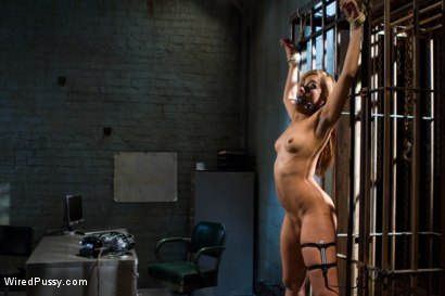 Photo number 9 from Wrong Place at the Wrong Time shot for Wired Pussy on Kink.com. Featuring Bobbi Starr and Yasmine de Leon in hardcore BDSM & Fetish porn.