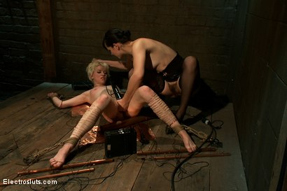 Photo number 11 from Cumming By Copper shot for Electro Sluts on Kink.com. Featuring Alani Pi and Bobbi Starr in hardcore BDSM & Fetish porn.